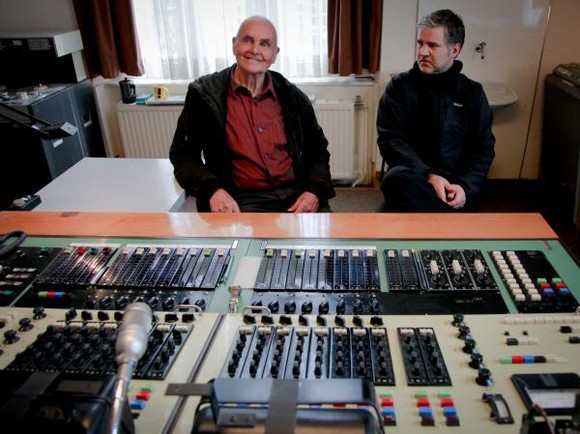 Hans-Joachim Roedelius and Lloyd Cole Collab
